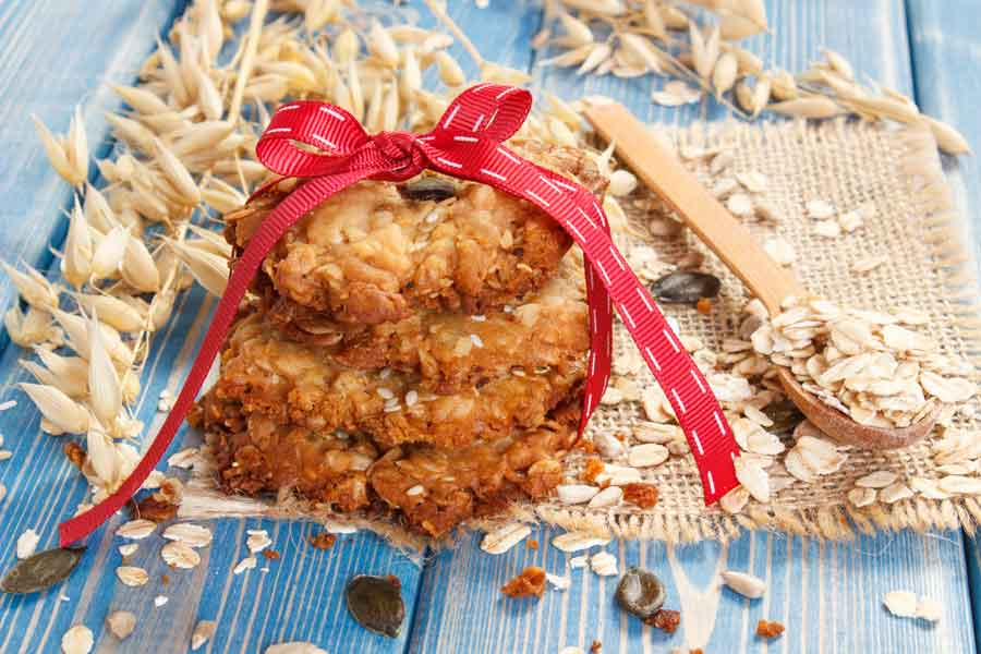 oatmeal cookies with whole oats around them
